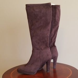 NWOT Tahari brown boots
